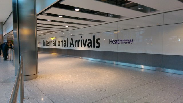 Cheap, fast taxi to heathrow terminal 4, no waiting charge